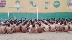 detentos-revista